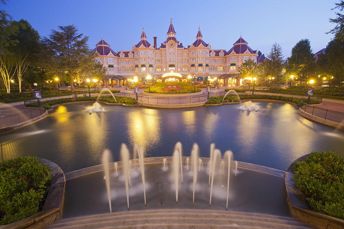 Disneyland hôtel en soirée