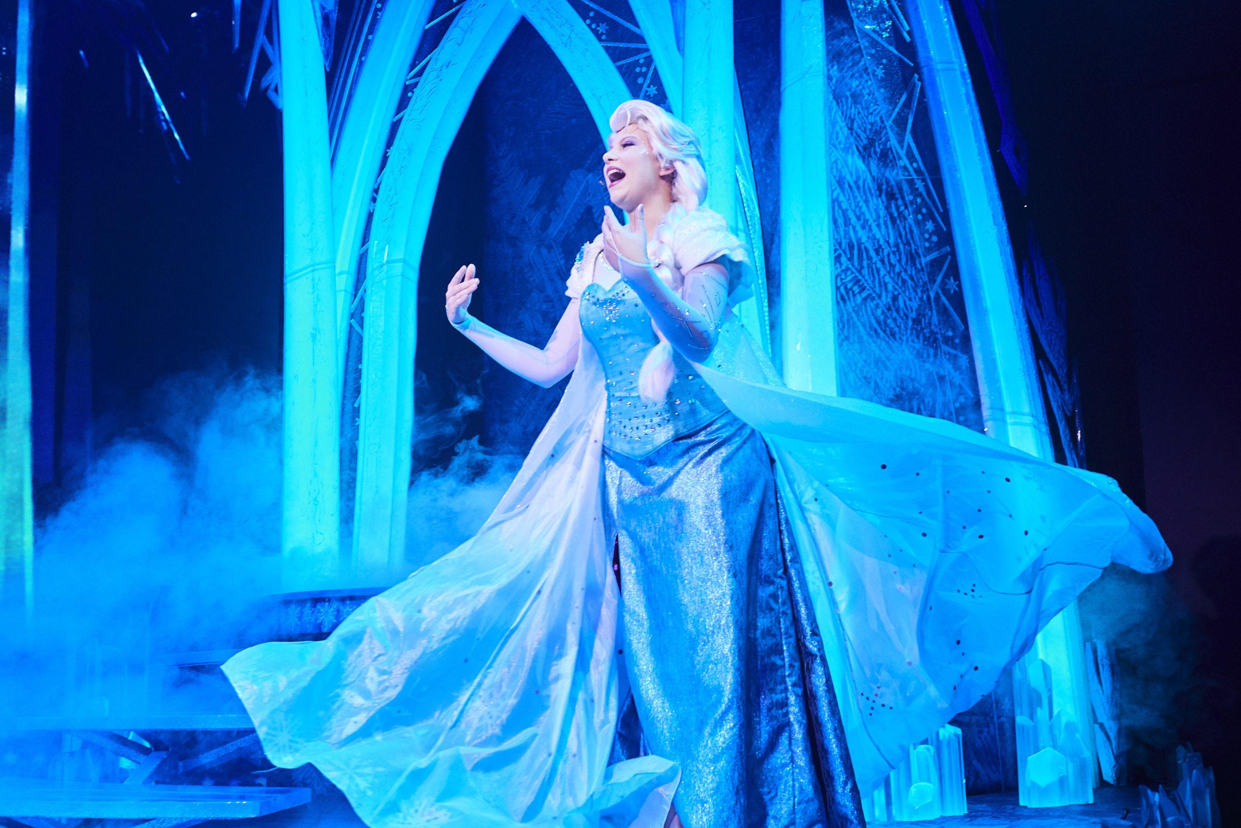 """Elsa dans le spectacle """"La Reine des Neiges : une Invitation Musicale"""""""