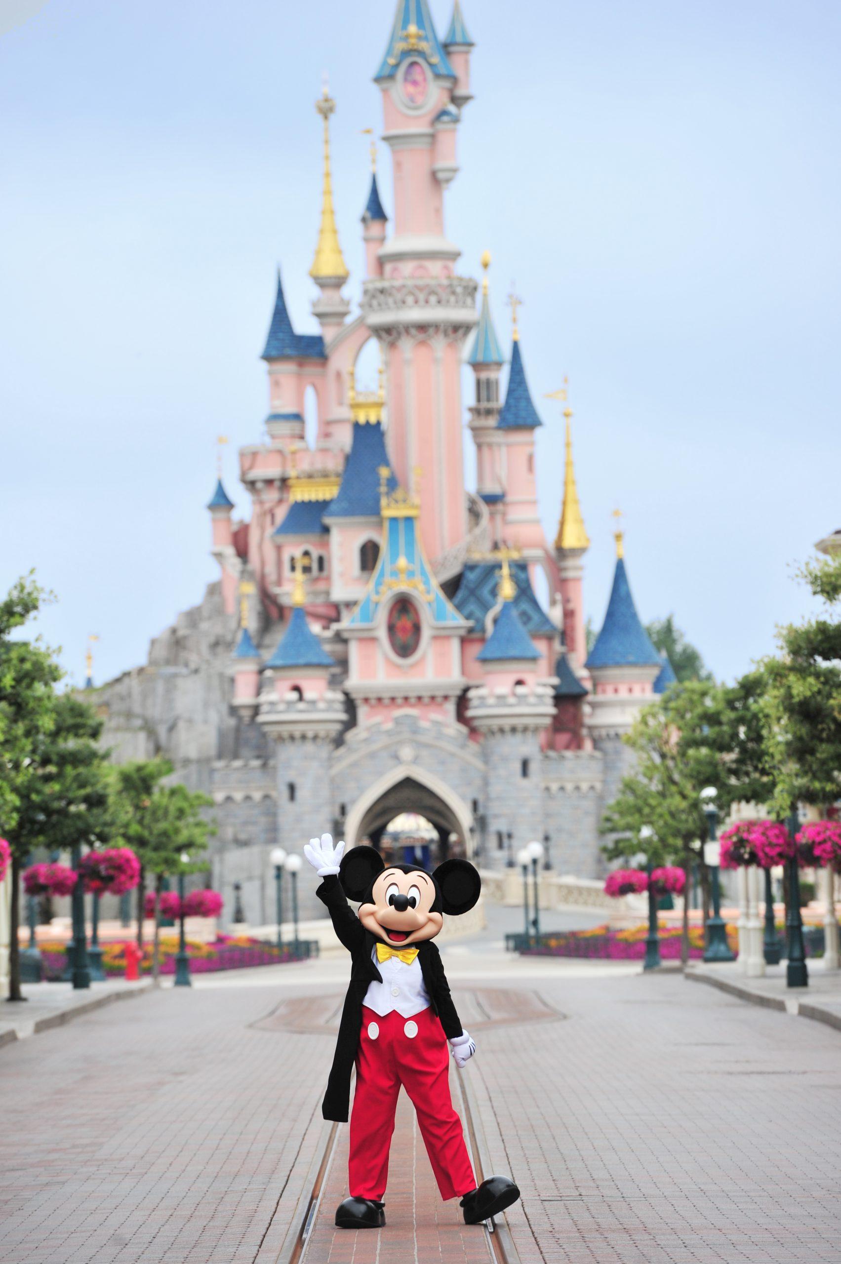 Mickey est de retour au Parc Disneyland