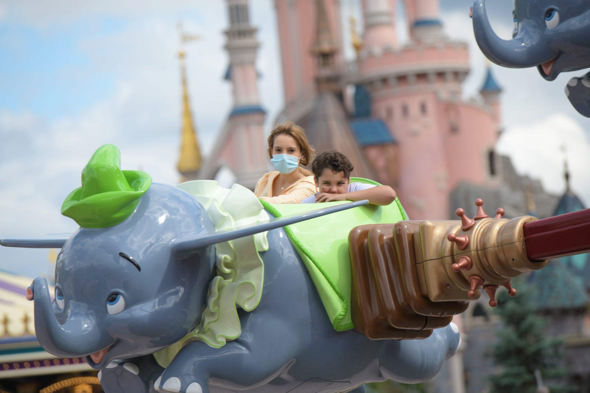 Disneyland Paris confirma que não reabrirá na data prevista