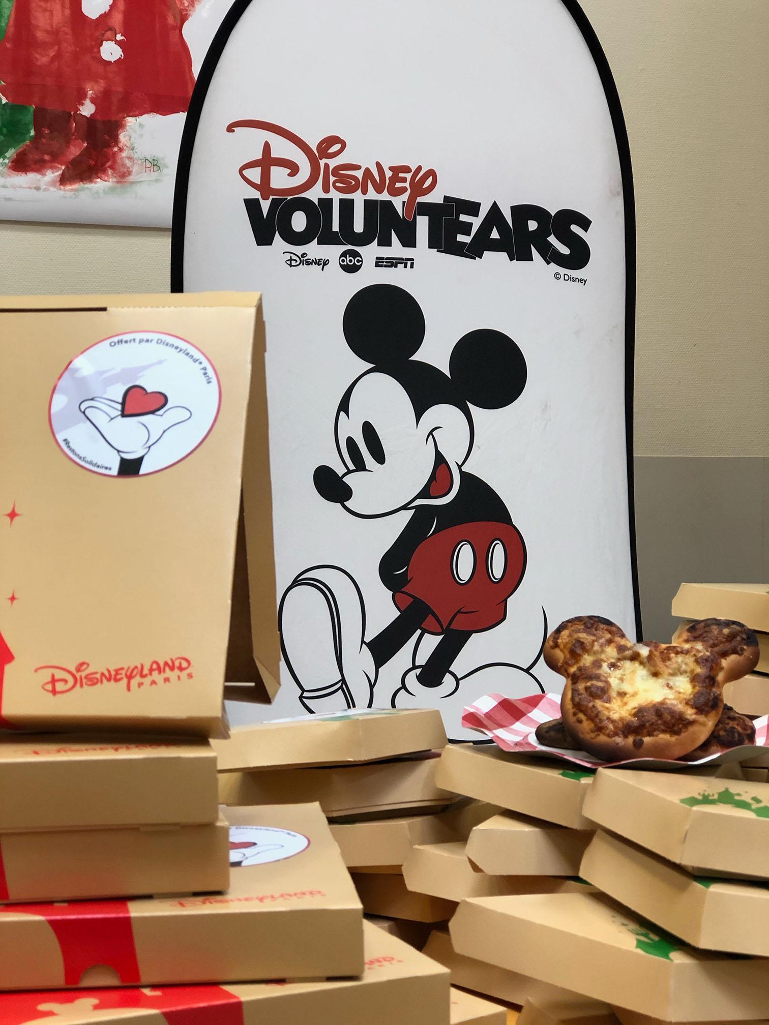 DisneyVoluntears Food Donation