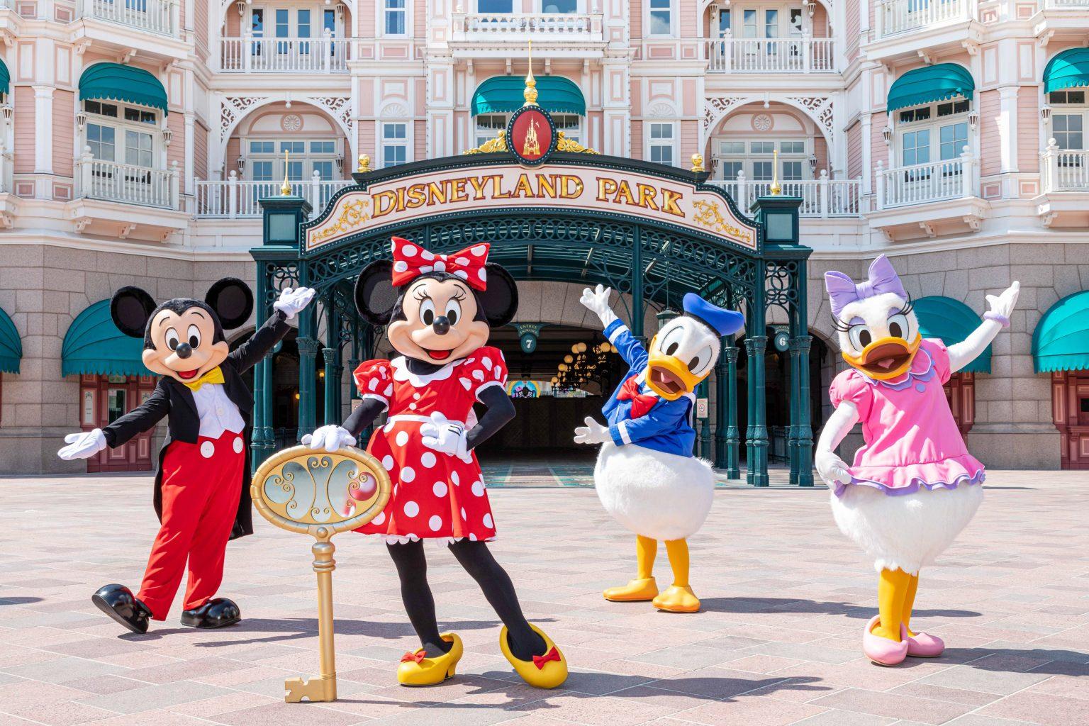 Confira as imagens oficiais da reabertura da Disneyland Paris