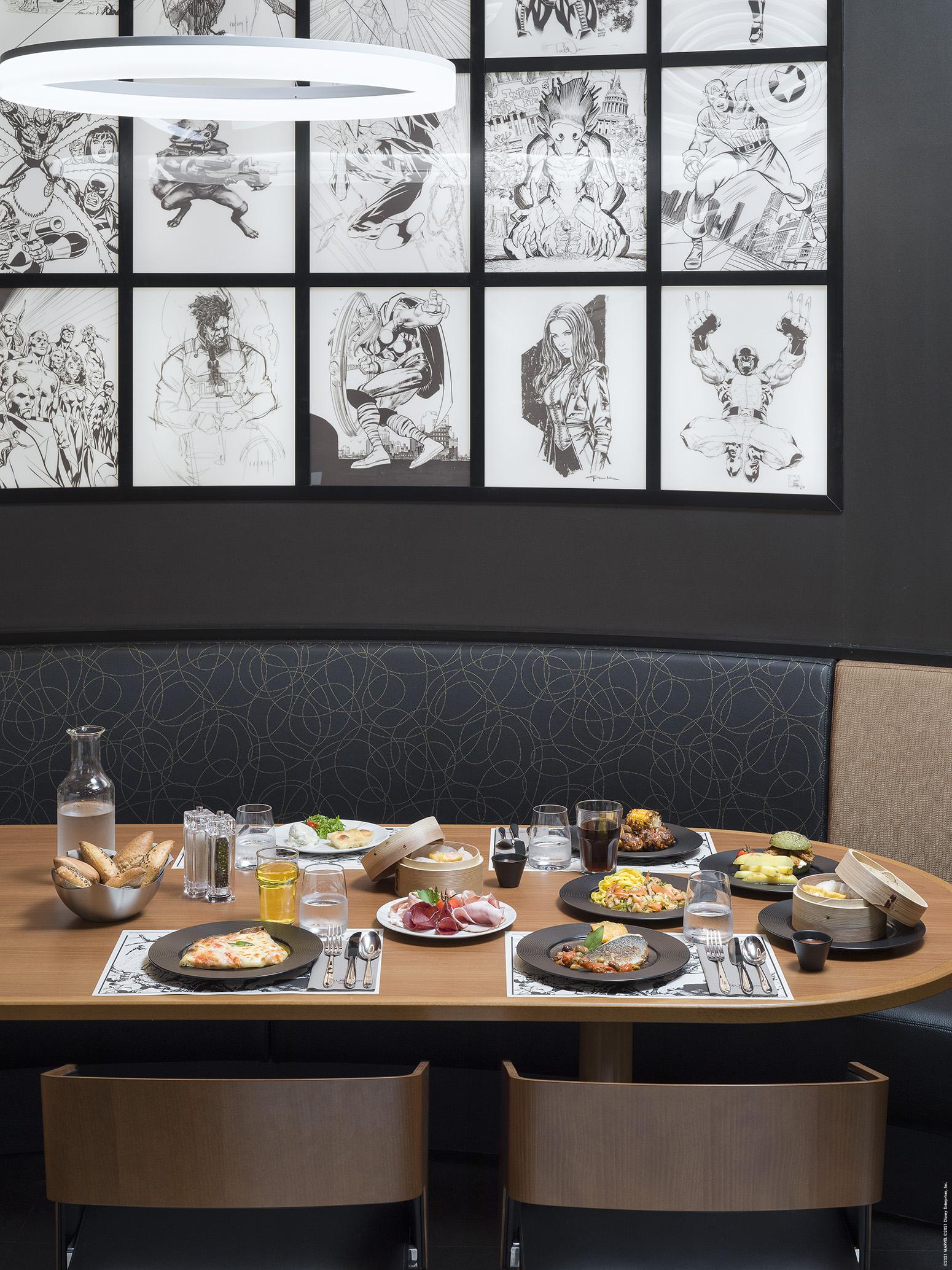 Disney's Hotel New York - The Art of Marvel - Pagina 5 Downtown-Restaurant-Table