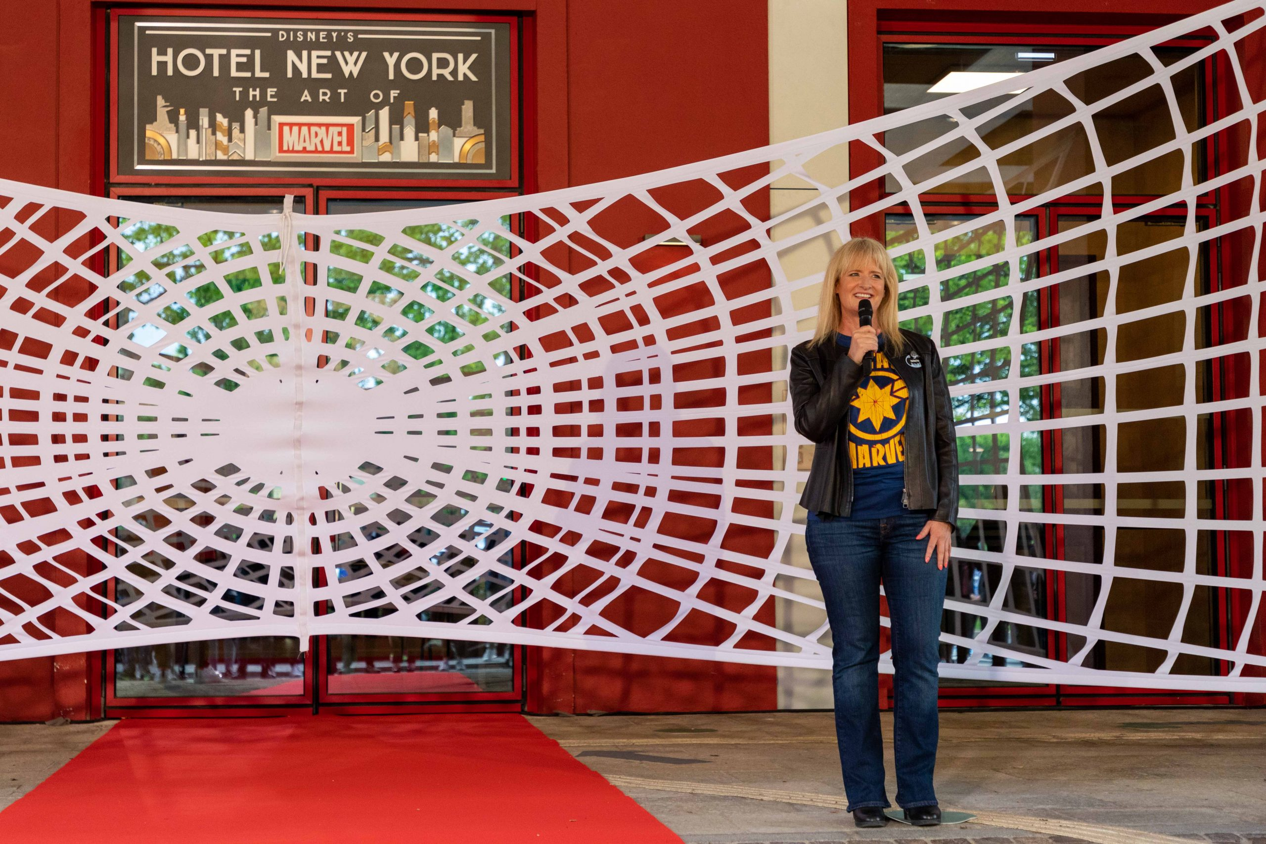 Disney's Hotel New York - The Art of Marvel - Pagina 5 Opening-Ceremony-1-scaled