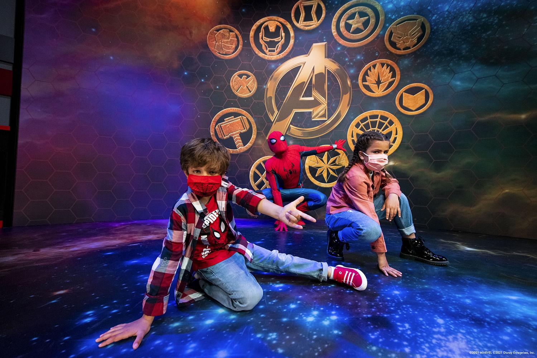 Disney's Hotel New York - The Art of Marvel - Pagina 5 Super-Hero-Station-1