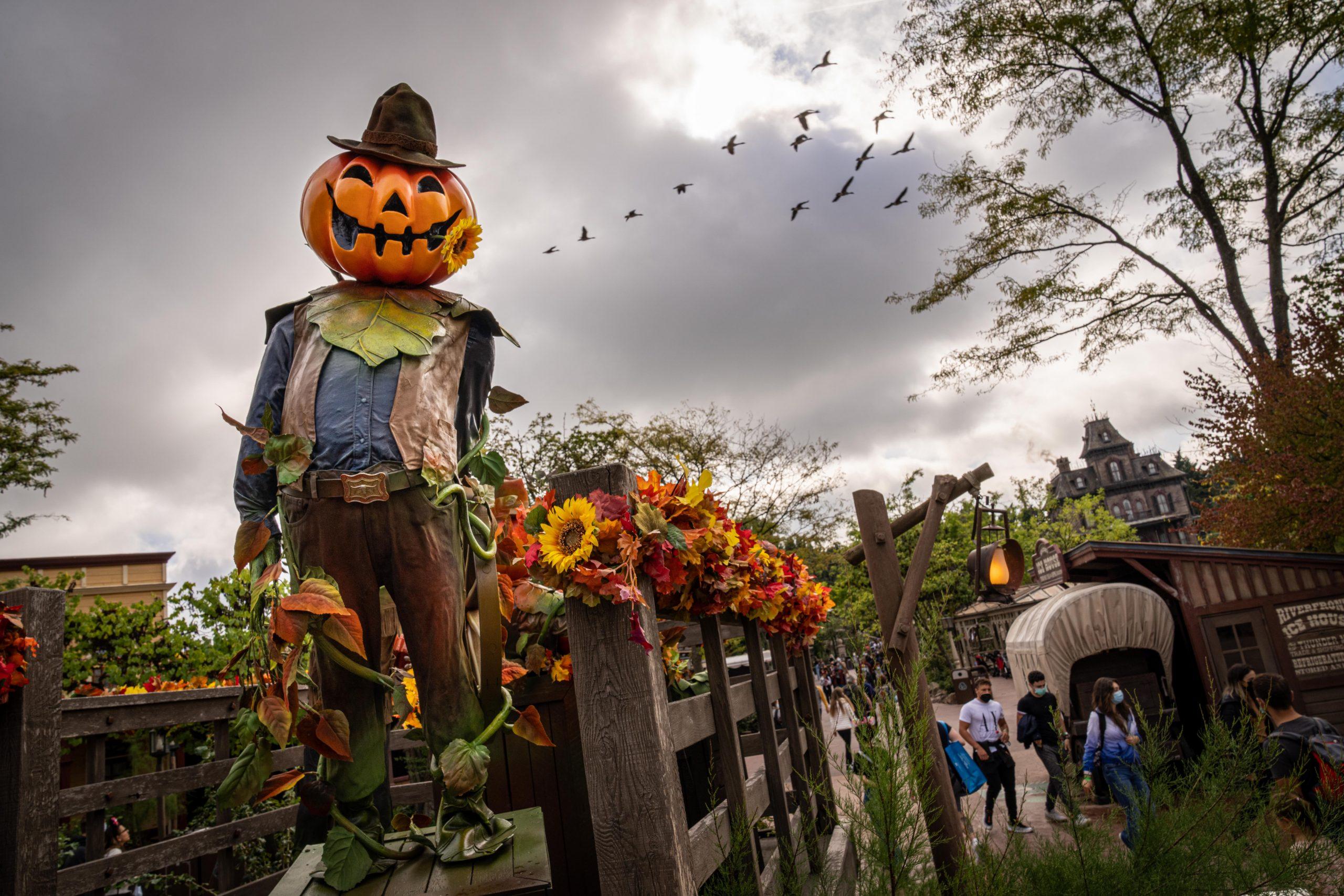 Disneyland Paris - Halloween - Frontierland 3