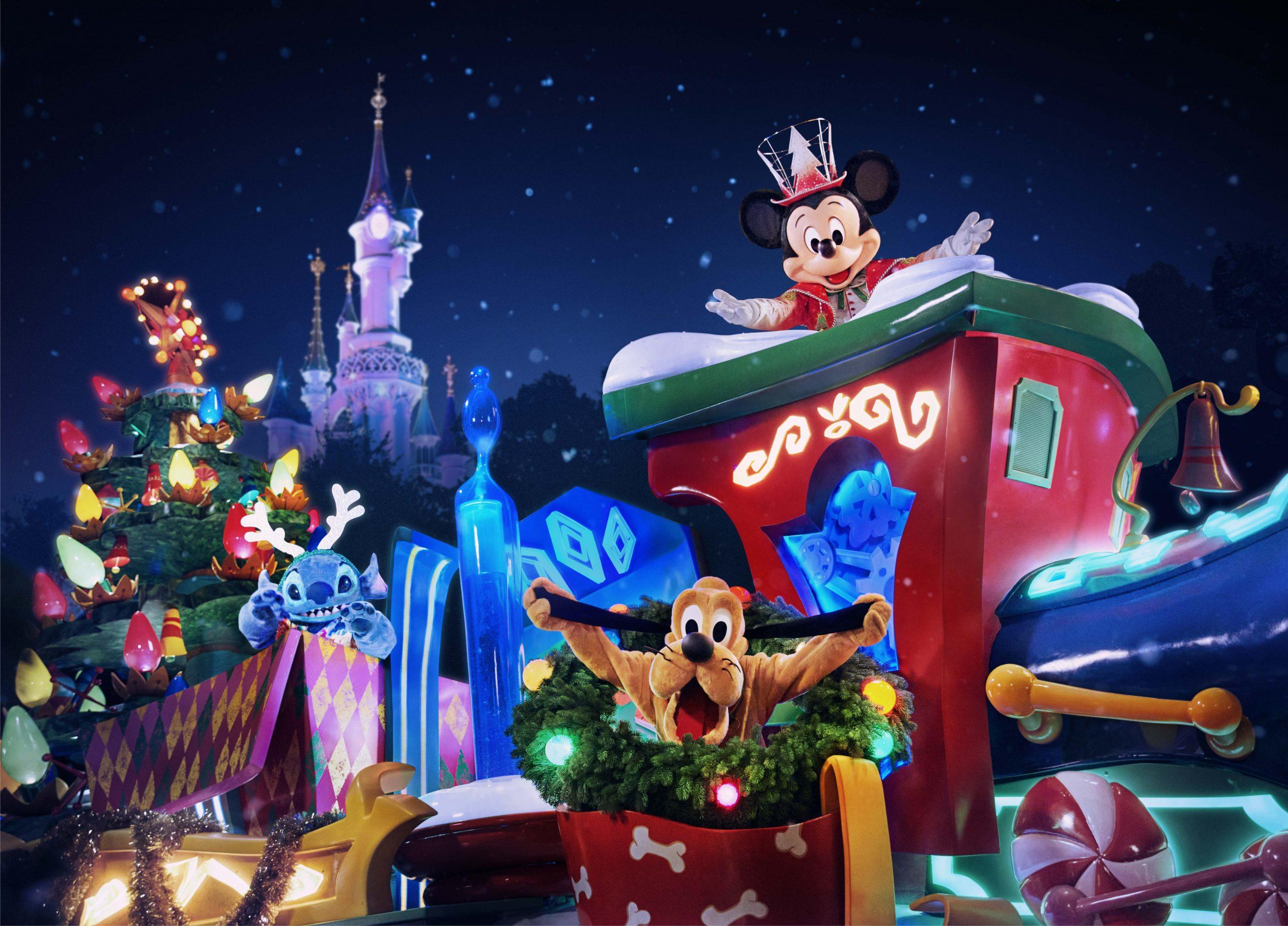 KV New Disneyland Paris Christmas Parade